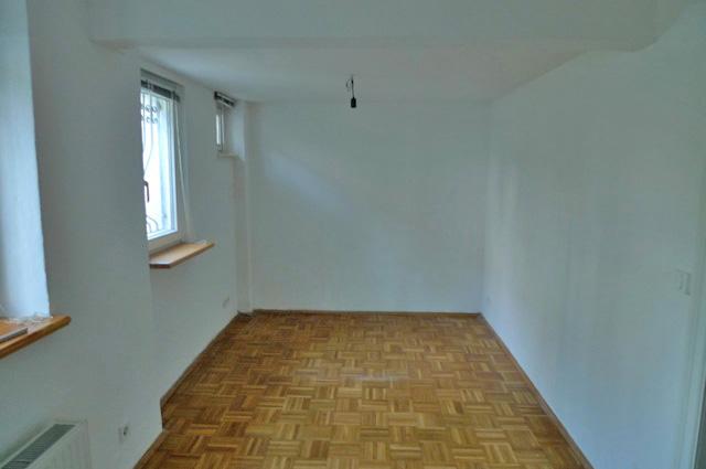 1 1/2 Zi.- Souterrain-Wohnung in der Hochallee - Schlafraum vorher
